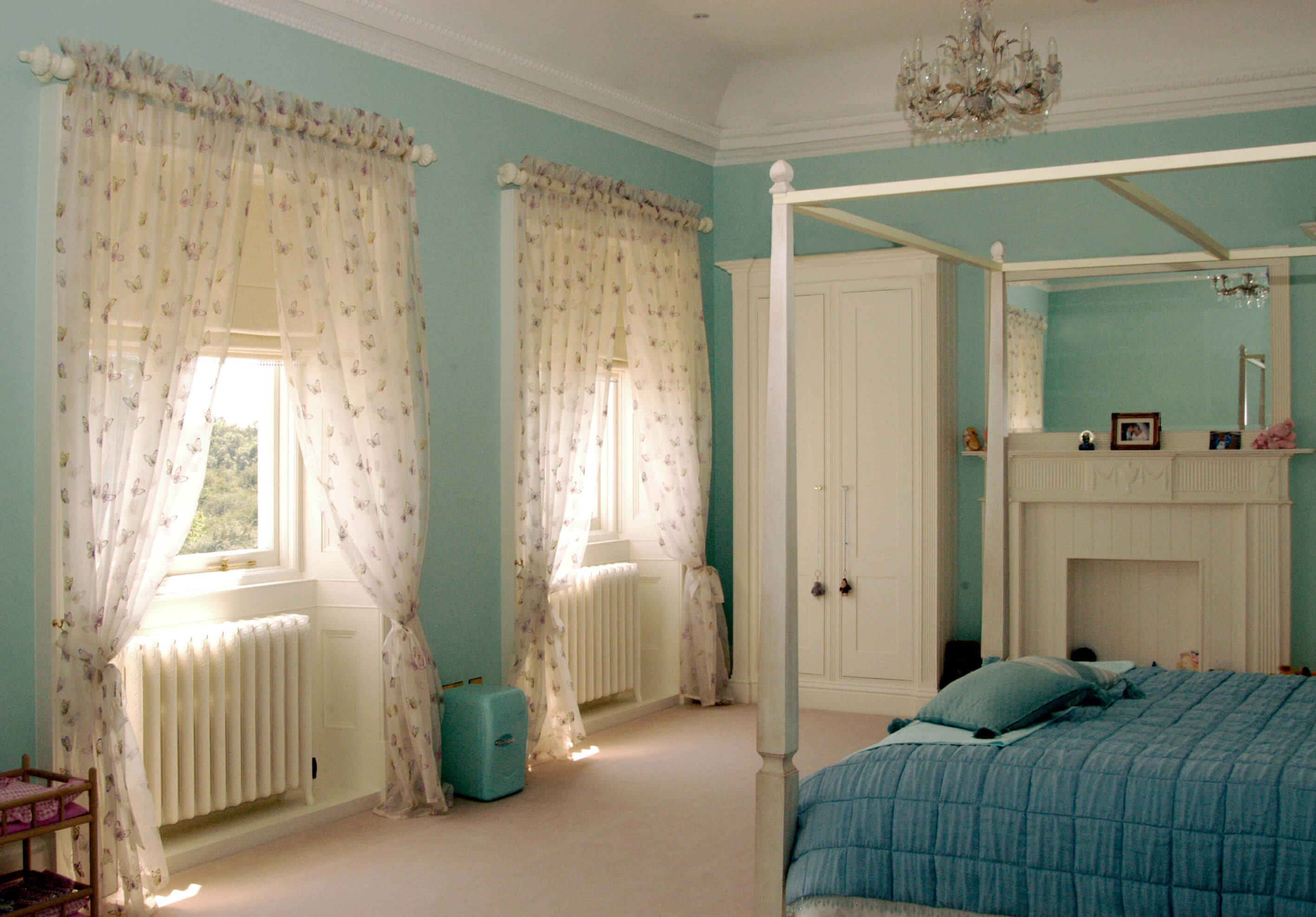 Patterned bedroom sheer curtains